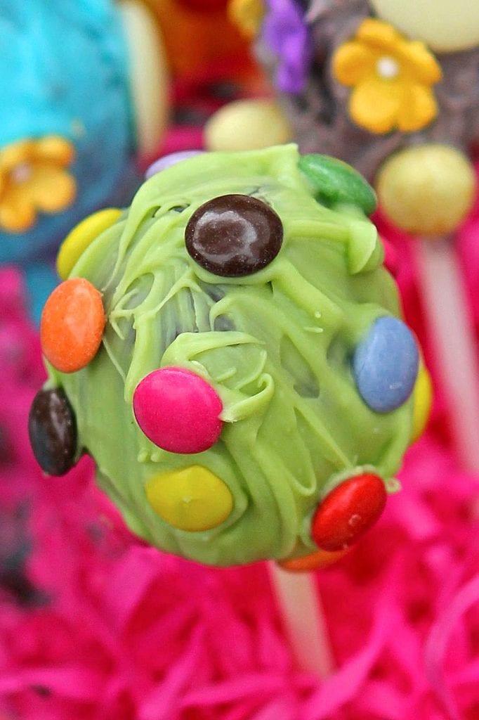 cake-pop-egg