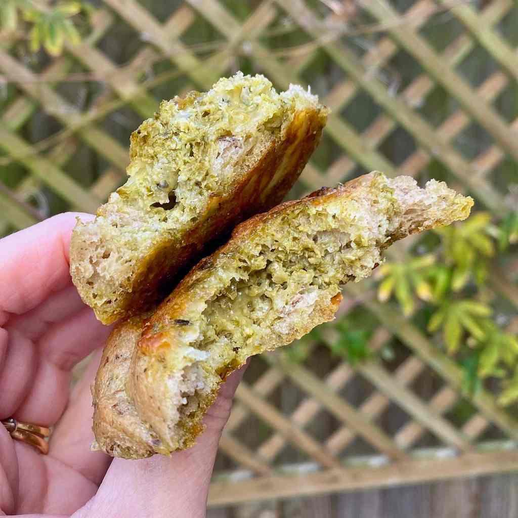 gluten-free-pesto-roll-texture