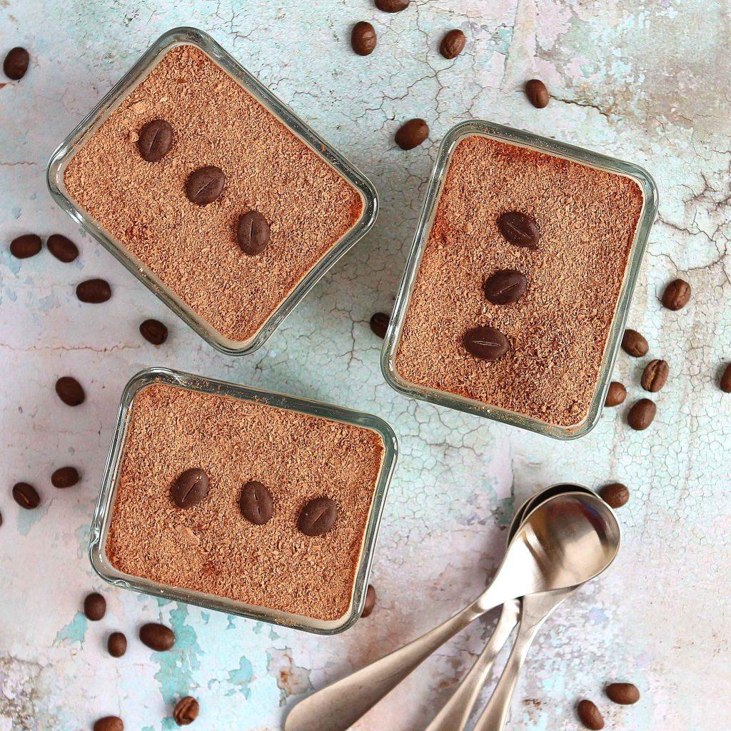 tiramisu-trifle-chocolate-top