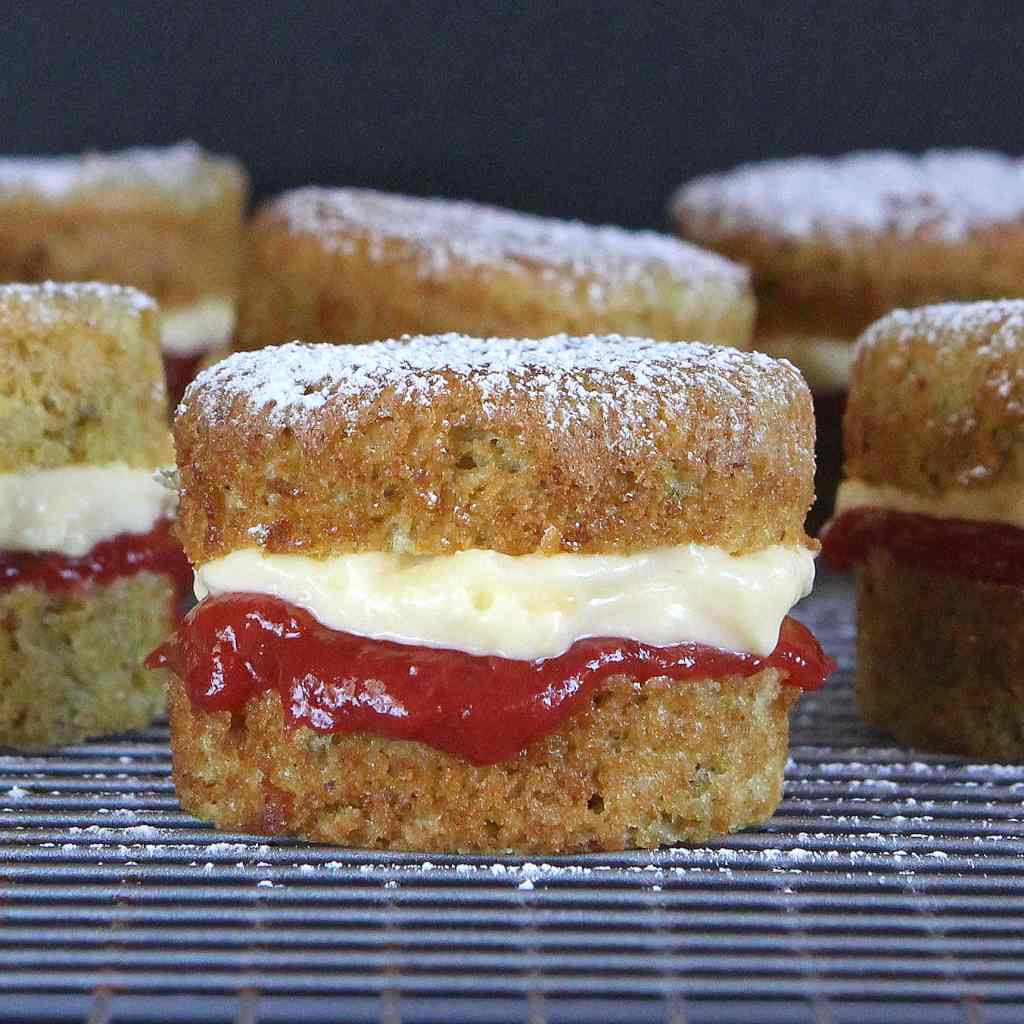 gluten-free-rhubarb-custard-cake
