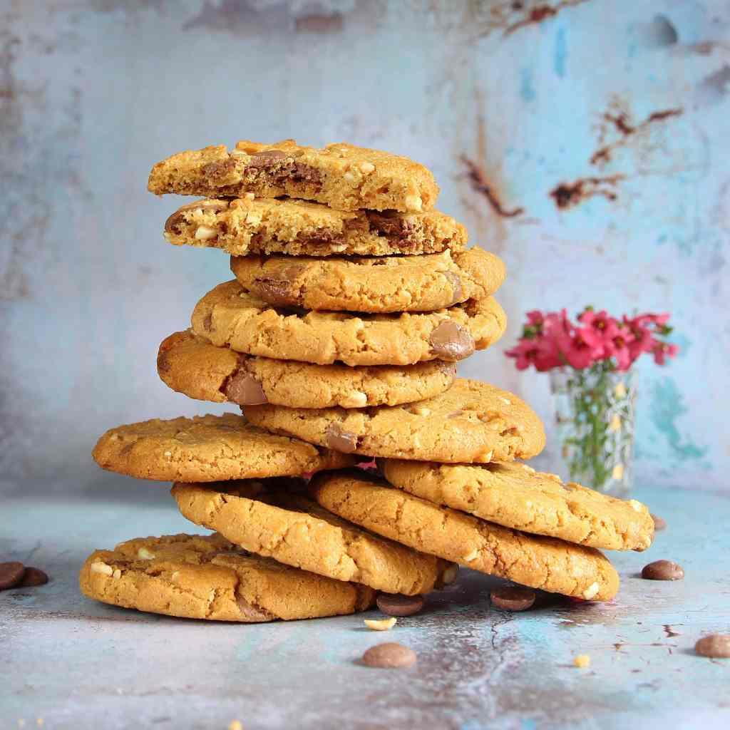 peanut-chocolate-chip-cookies