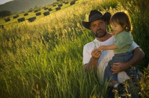 Farmer_and_Daughter_in field