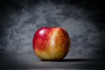 apple-256267_1920