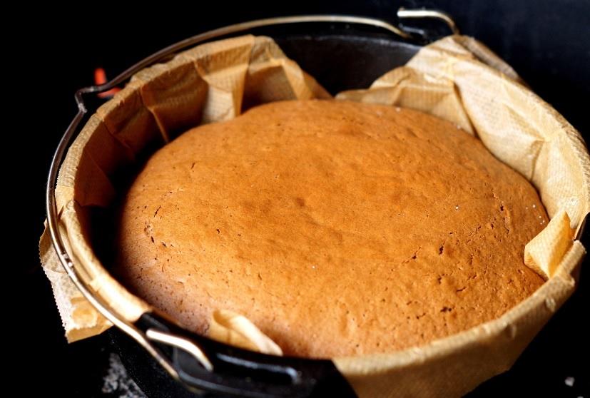 Fertiger Lebkuchen im Dutch Oven