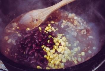 Pollo Fino mit Bohnen und Mais