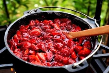 Fertige Marmelade aus dem Dutch Oven