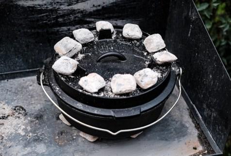 Dutch Oven und Kohlen
