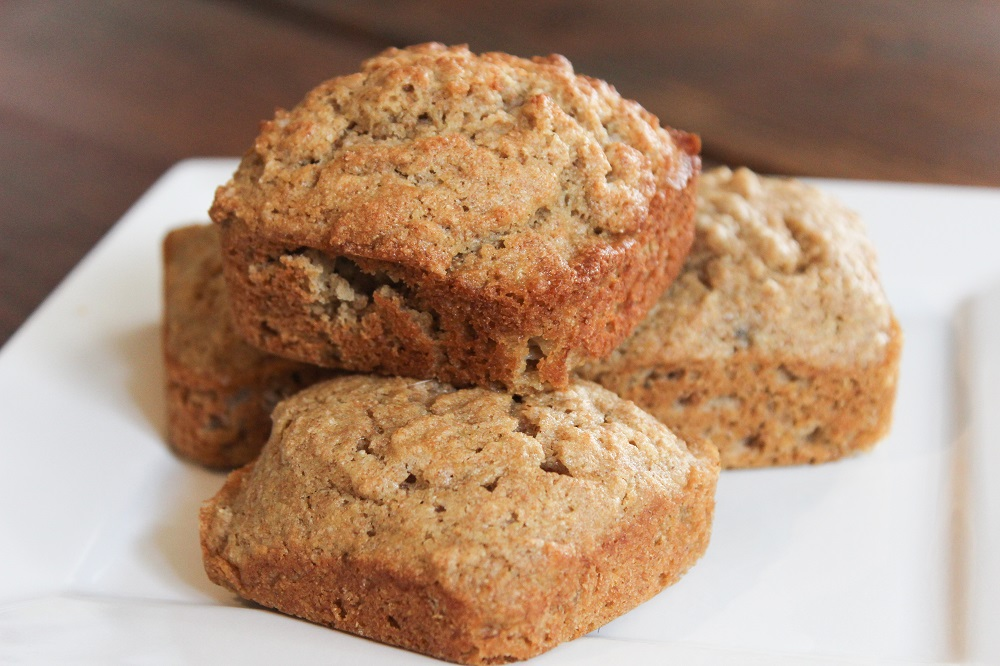 Make delicious banana muffins with frozen bananas and the kids can help!