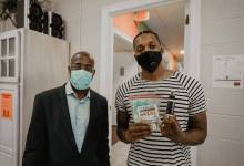 "Photo of Lecrae Kicks Off ""Masks For the People"" Initiative, Goes To Prisons with 70K Masks"