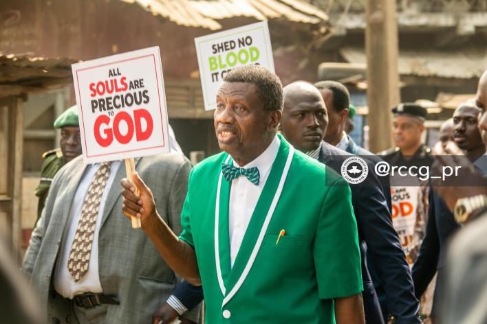 Pastor-Adeboye-Leads-RCCG-Members-In-Prayer-Walk-Against-Insecurity