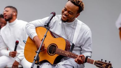 Travis-Greene-Easter-Unplugged-Session-1