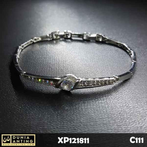 C111 Gelang Model Rantai Silver Mata Kristal Platinum Imitasi Crystal