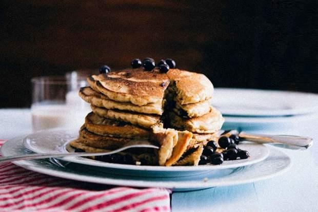gluten-free-blueberry-buckwheat-pancakes-gnom-gnom