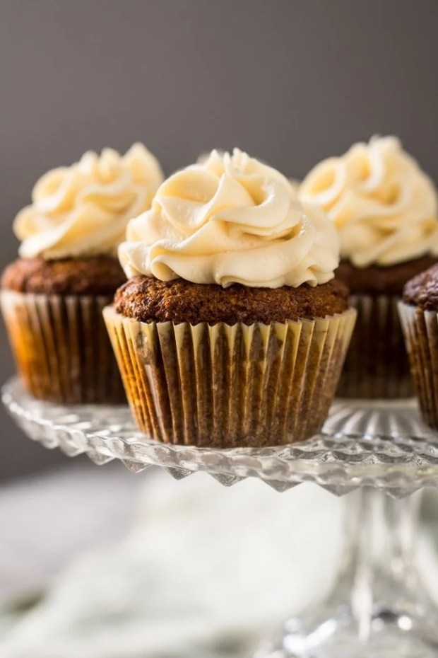 low carb carrot cake cupcakes