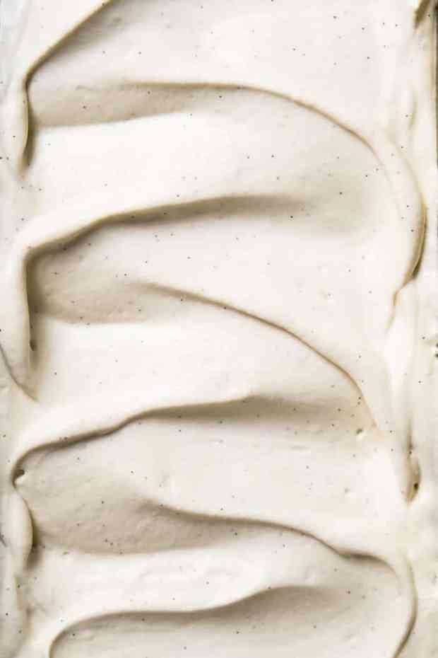 No-Churn Paleo, Low Carb & Keto Vanilla Ice Cream 🍦 #keto #lowcarb #dairyfree #paleo #healthyrecipes #icecream