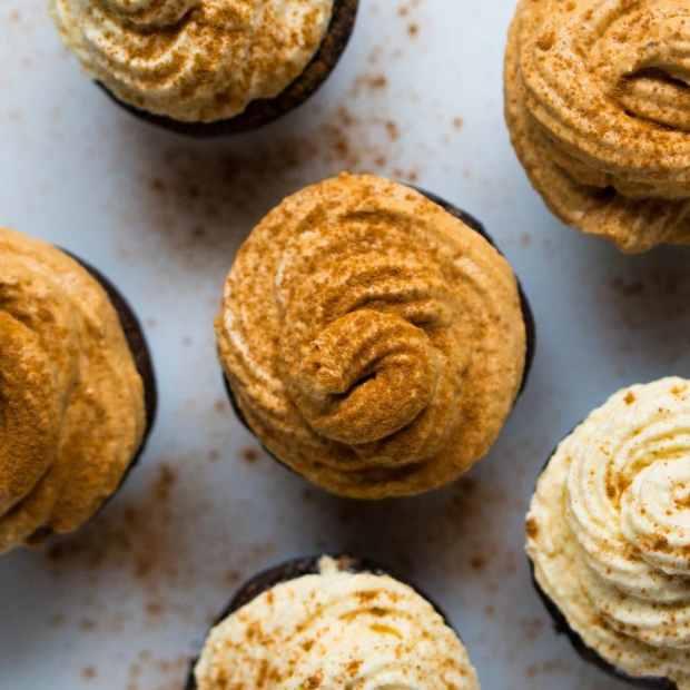Gluten Free & Keto Chocolate Pumpkin Cupcakes 🍫 Suuuper Moist & 3g net carbs