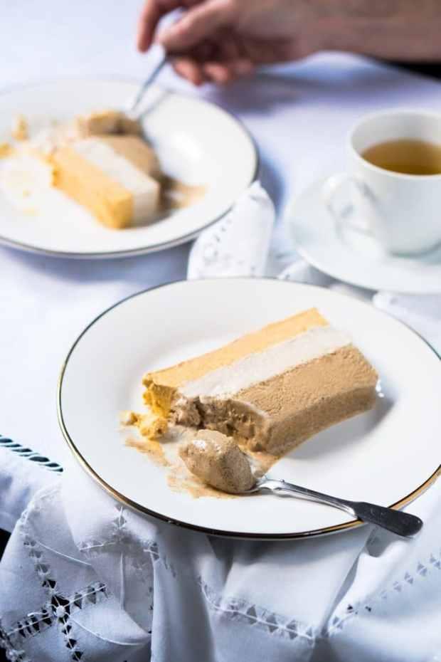 No-Churn Keto Pumpkin Spice Latte Ice Cream 🎃🍂☕ 2-4g net carbs #ketoicecream #lowcarbicecream #ketopumpkin