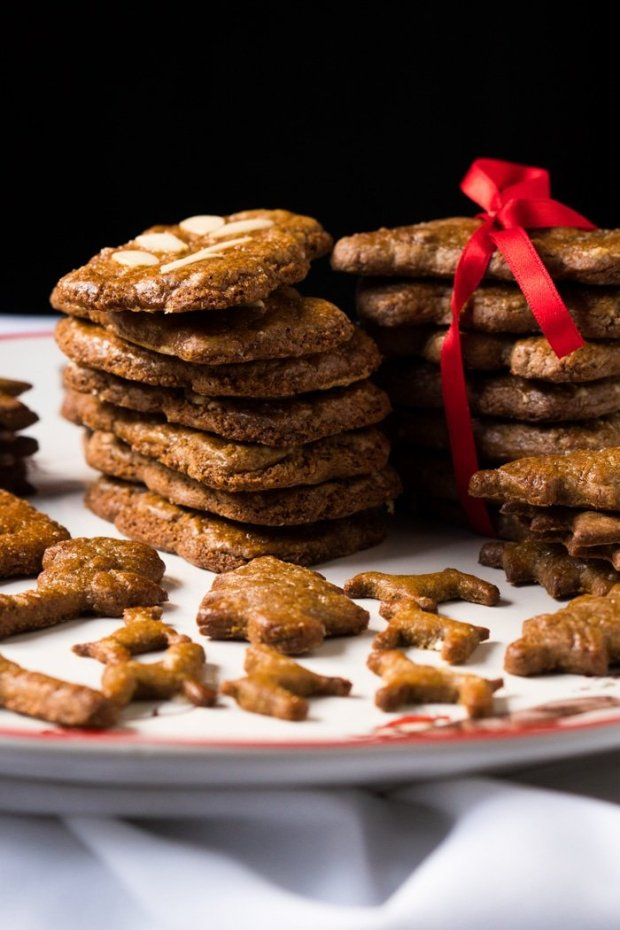 Gluten Free & Keto Speculoos i.e. Biscoff Cookies! 🎅🏿 #ketocookies #lowcarbcookies