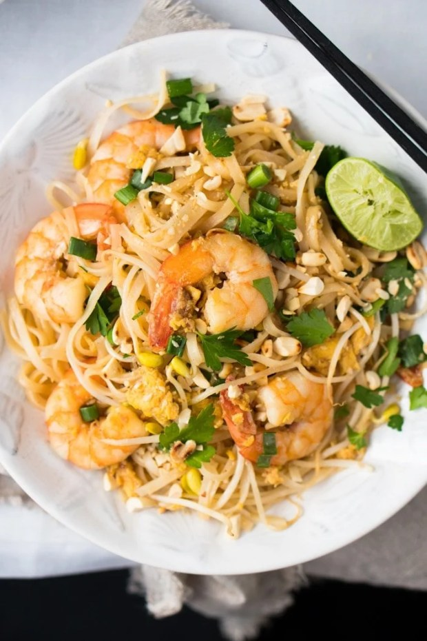 Paleo & Keto Pad Thai with shirataki noodles 🍜 suuuper easy & quick! #ketopadthai #shirataki