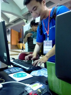 Participant trying out OpenSUSE