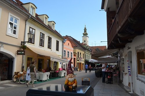 Enjoy people-watching while you have drinks or a snack on Tkalčićeva Street.