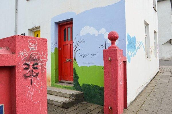 Iceland graffiti