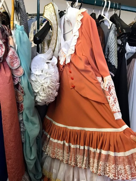 get costumes in prague
