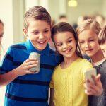 Wanneer heeft je kind de geschikte leeftijd voor een mobiele telefoon?
