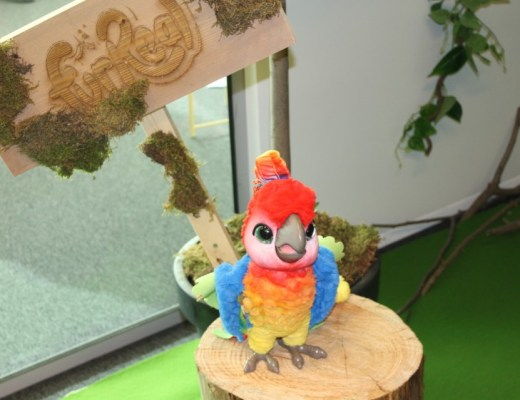 Furreal friend kaketoe rock-a-too papegaai