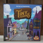 { Review } | Tiny Towns van White Goblin Games