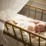 Geld besparen in babytijd: Waar gaat je baby slapen?