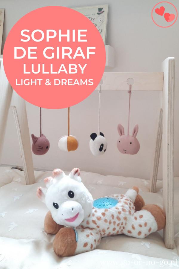 Sophie de giraf Lullaby Light en Dreams is een projectielamp en muziekdoosje in een, en dat verpakt in een heerlijke zachte knuffel!