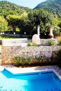 Villas Dioni Pool BBQ area