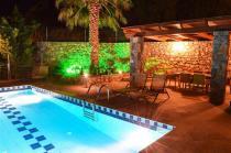 Kalipso-Pool-area-by-night (Custom)