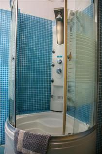 Pitho-Hydro-Shower (Custom)