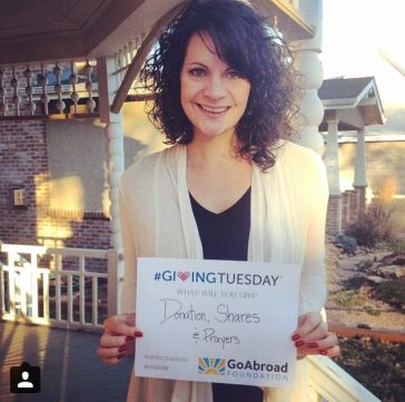 Rachael supporting the GoAbroad Foundation on #GivingTuesday in 2014
