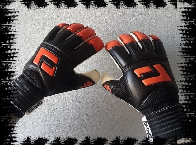L1 Goalkeeper Gloves 2nd Generation. Junior sizes