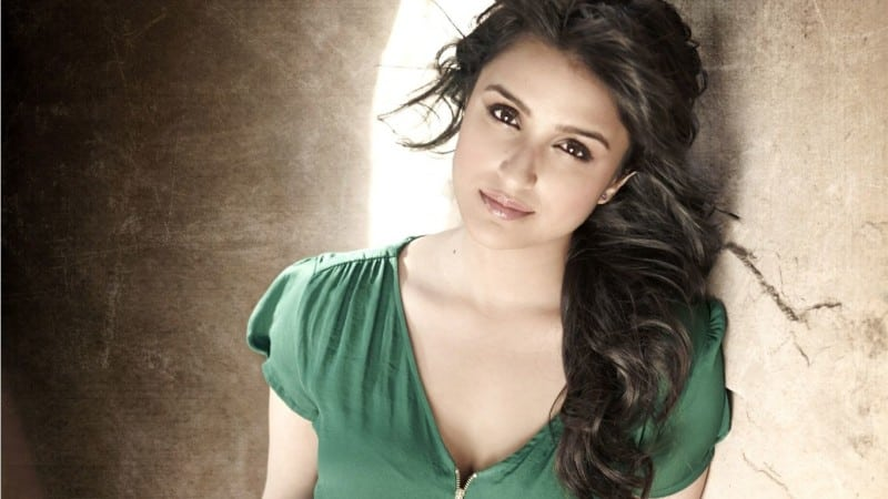 parineeti-chopra-wallpaper-7