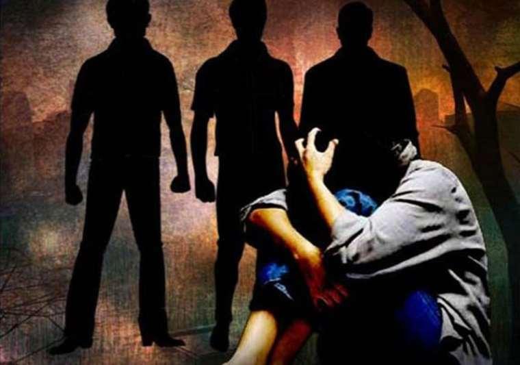 17-year-old Minor girl gangraped lodge boyfriend 3 others