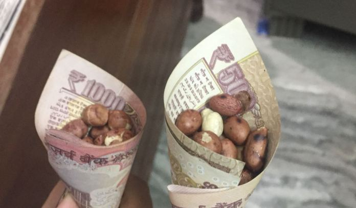 THE REPRESENTAITON OF 500 RUPEES NOTE ON THE SOCIAL MEDIA AFTER THE NEWS BROKE OFF IN MEDIA