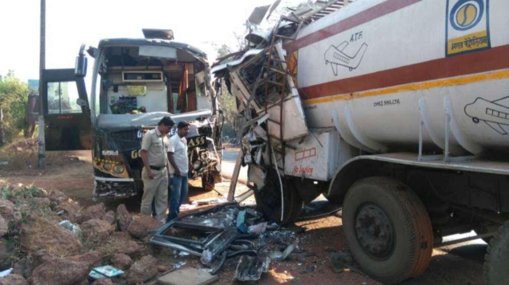 Poona Goa Luxury Bus Rammed Petrol Tanker Bus proceeding Wrong