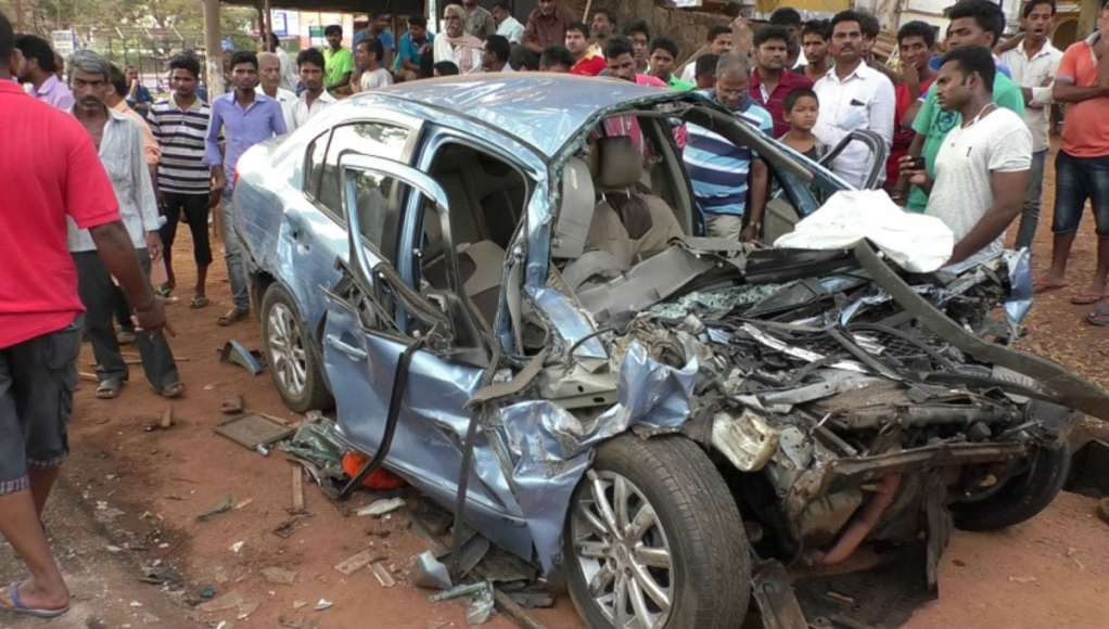 THE ILL FATED CAR IN WHICH THE PEREIRA AND BHOIR FAMILY WERE TRAVELLING ON MONDAY