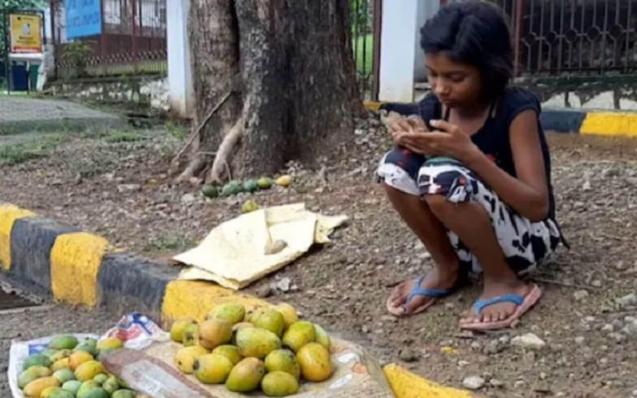 Girl Sells 12 Mangoes For 1.20 Lakh
