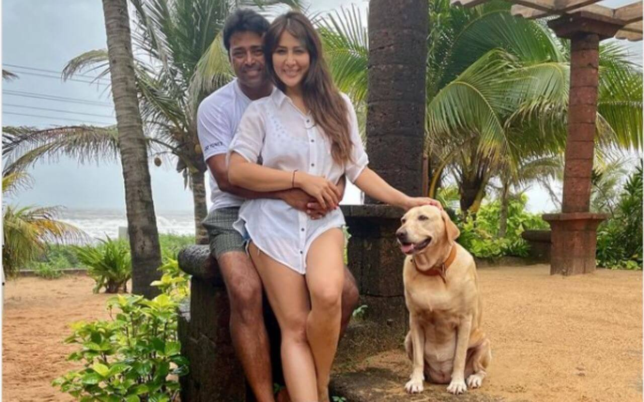 Kim Sharma and Leander Paes Spotted Holidaying In Goa
