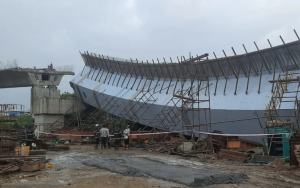 Bandra Flyover Collapses