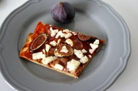 Pizza mit Feigen, Speck & Ziegenfeta6