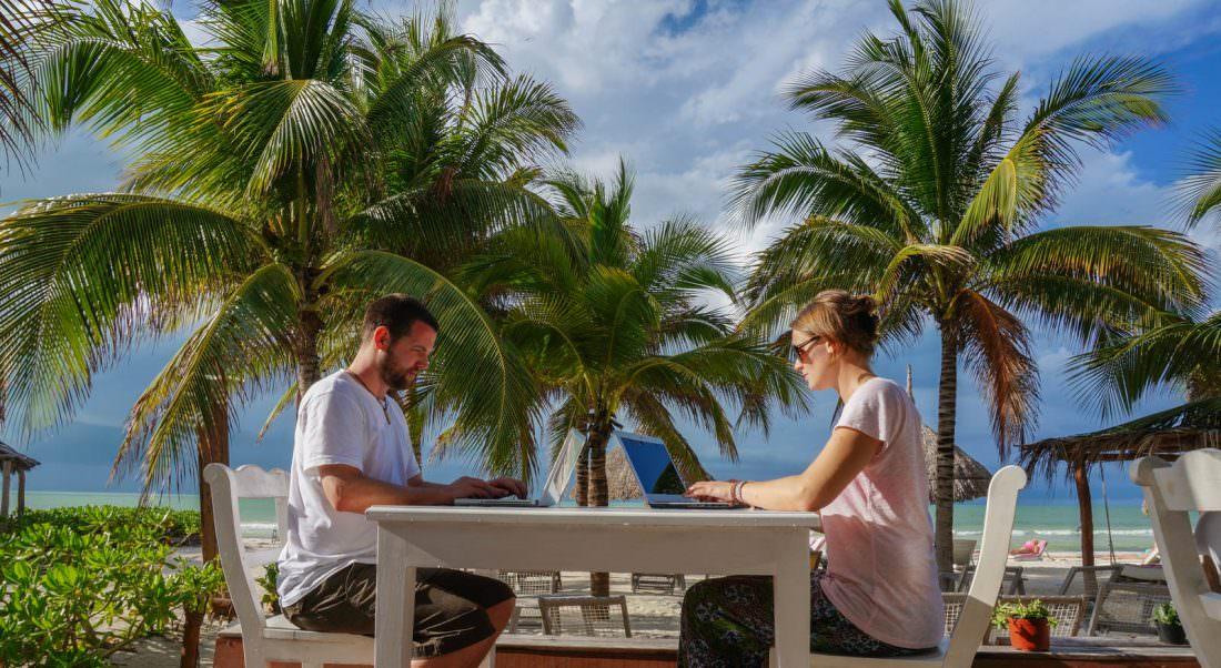 become a digital nomad to make money online