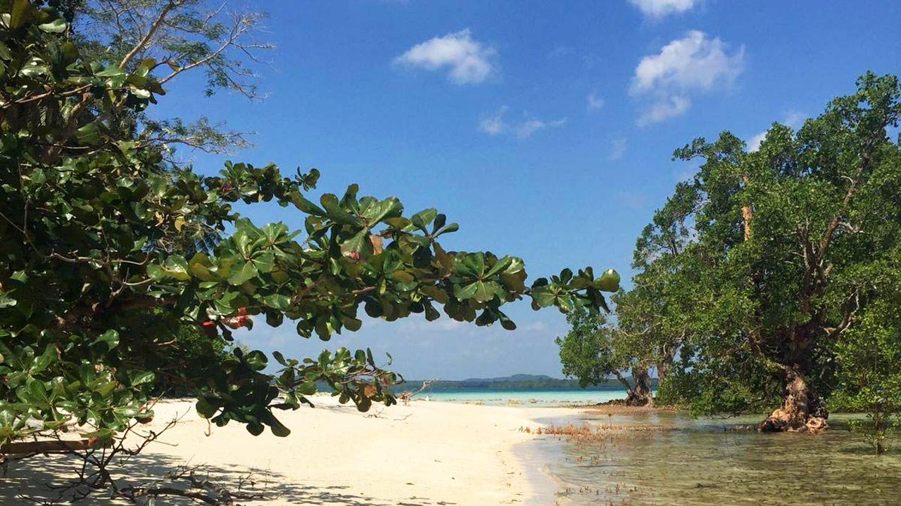 Pulau-Langer Mendanau Belitung GoBelitung Indonesia