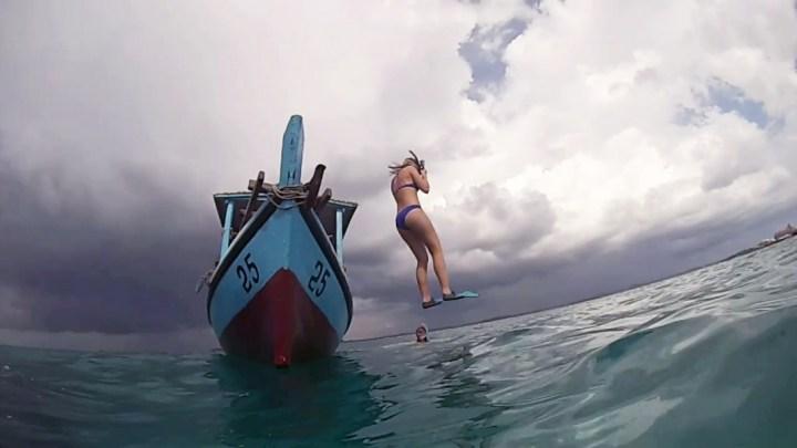 saut du bateau snorkeling in Belitung GoBelitung Indonesia