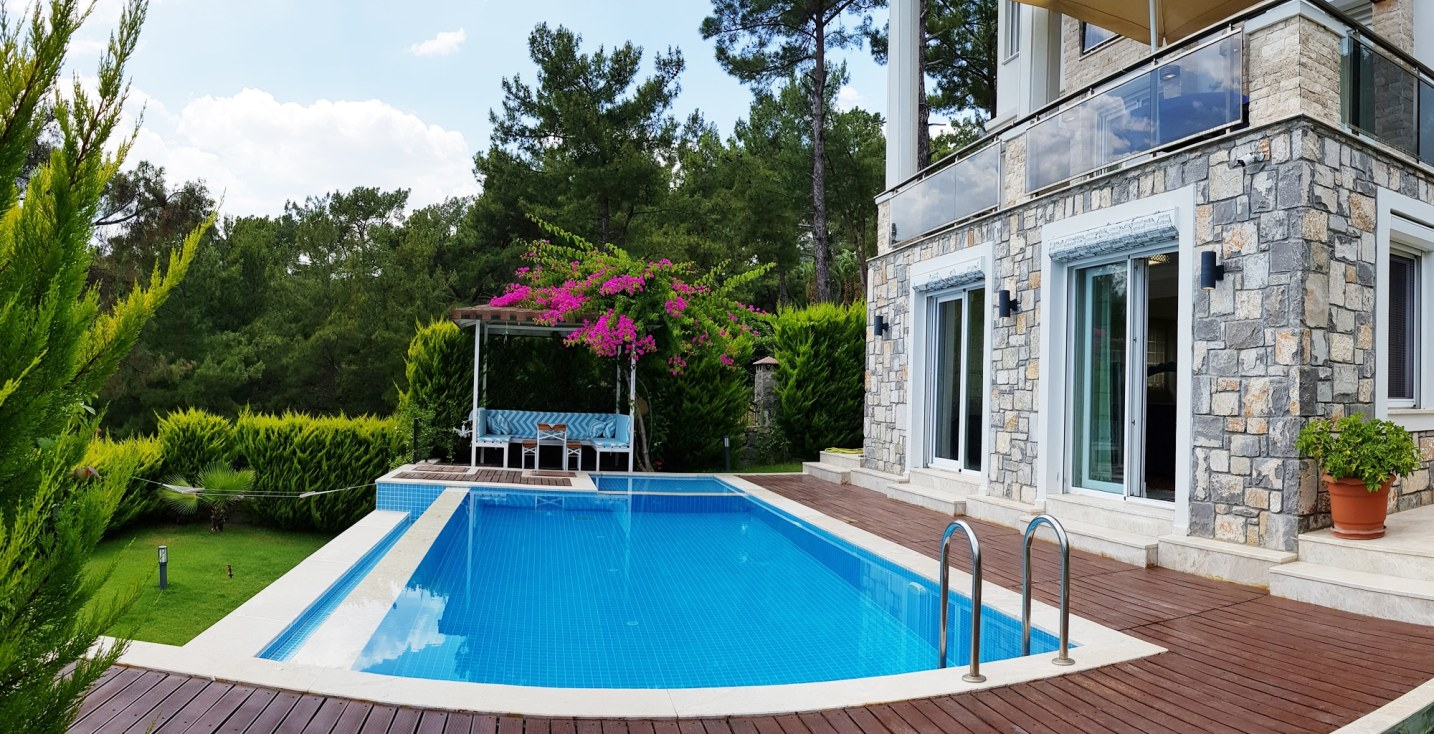 Gocek Holiday Villas with Pool for Rent